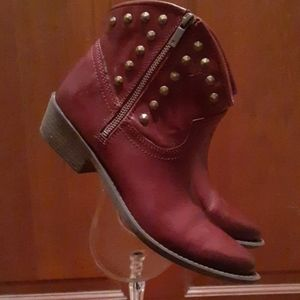 Lucky Brand Cowboy ankle boots